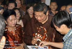 Divine Kids Tanda Tangan Predisen SBY
